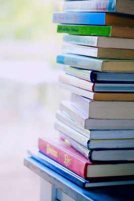 Książki - zdjęcie partnera