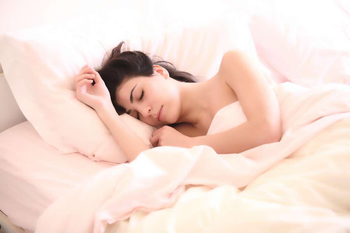 Śpiąca kobieta - zdjęcie partnera