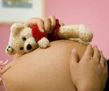 brzuch ciąża, Stuart Miles / www.freedigitalphotos.net