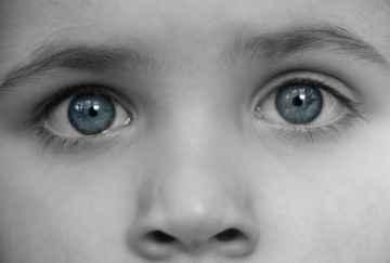 oczy i nos, By Clare Bloomfield / www.freedigitalphotos.net