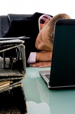 zmęczenie w pracy, by imagerymajestic, www.freedigitalphotos.net