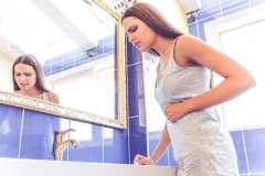 Ból wątroby kobieta - zdjęcie partnera