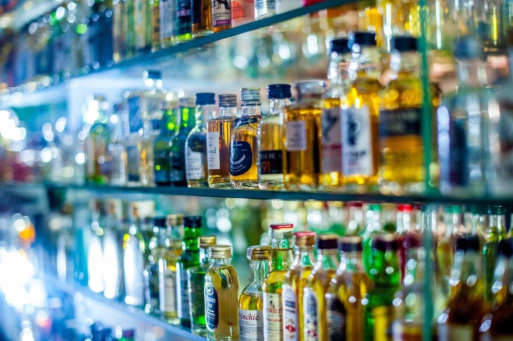 Alkohol na półce - zdjęcie partnera