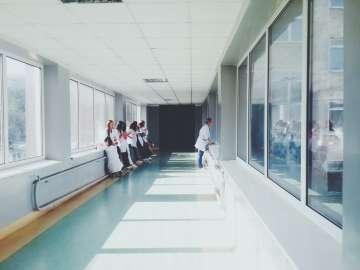 Korytarz w szpitalu - zdjęcie partnera
