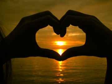 Heart - Karen Pagayon - freerangestock.com