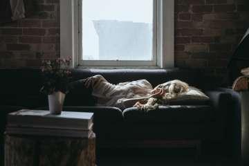 Kobieta bezsenność - zdjęcie partnera